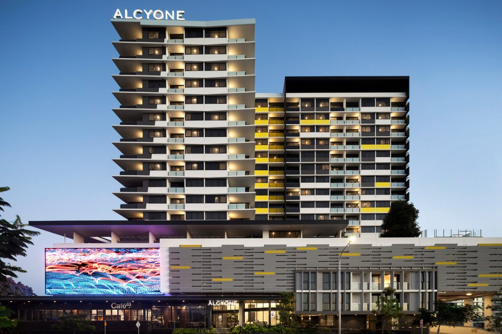ALCYONE HOTEL RESIDENCE WITH PINEAPPLE EXPRESS